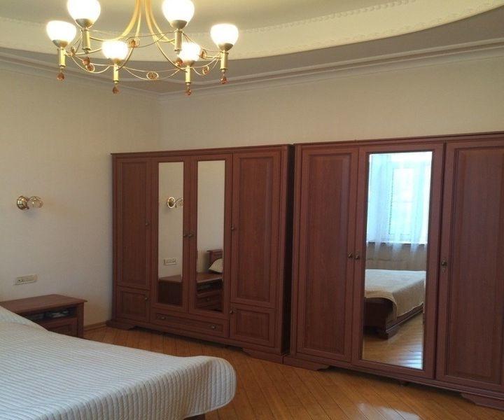 Сдатся уютная просторная двухкомнатная квартира в отличном состоянии, в кирпичн